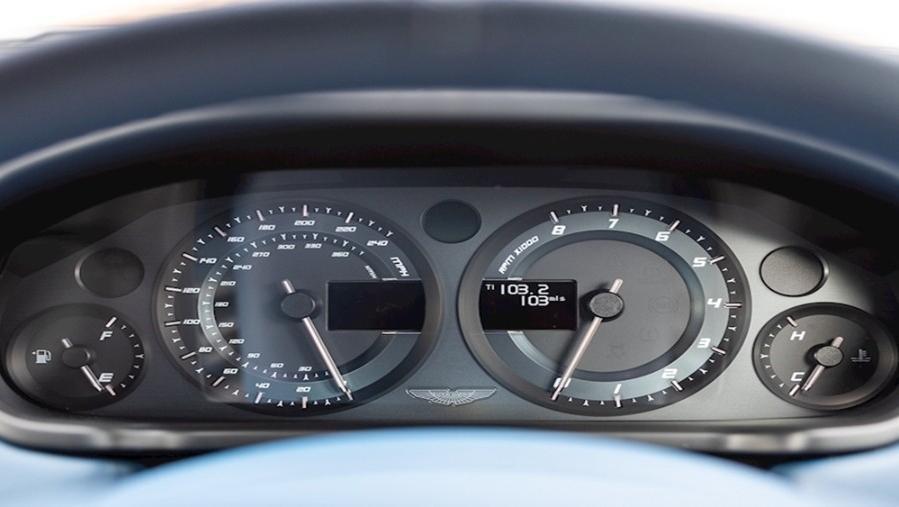 Aston Martin Vanquish 2019 Interior 005