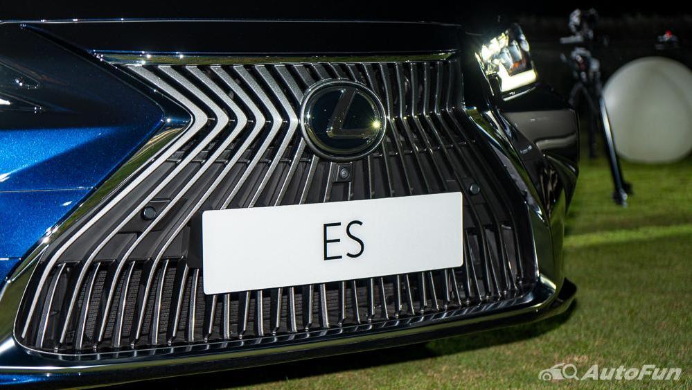 Lexus ES 2019 Exterior 009