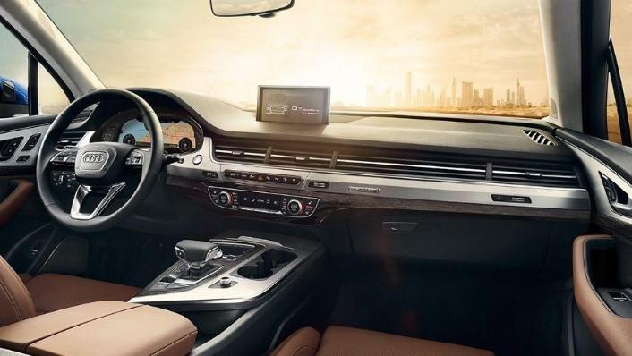 Audi Q7 2019 Interior 001