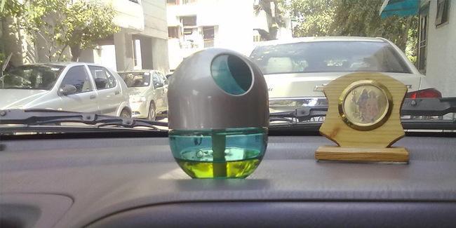 Aksesoris yang Sebaiknya Tidak Dipasang di Mobil, Pengharum Mobil dan Cover Setir Bikin Bahaya? 02