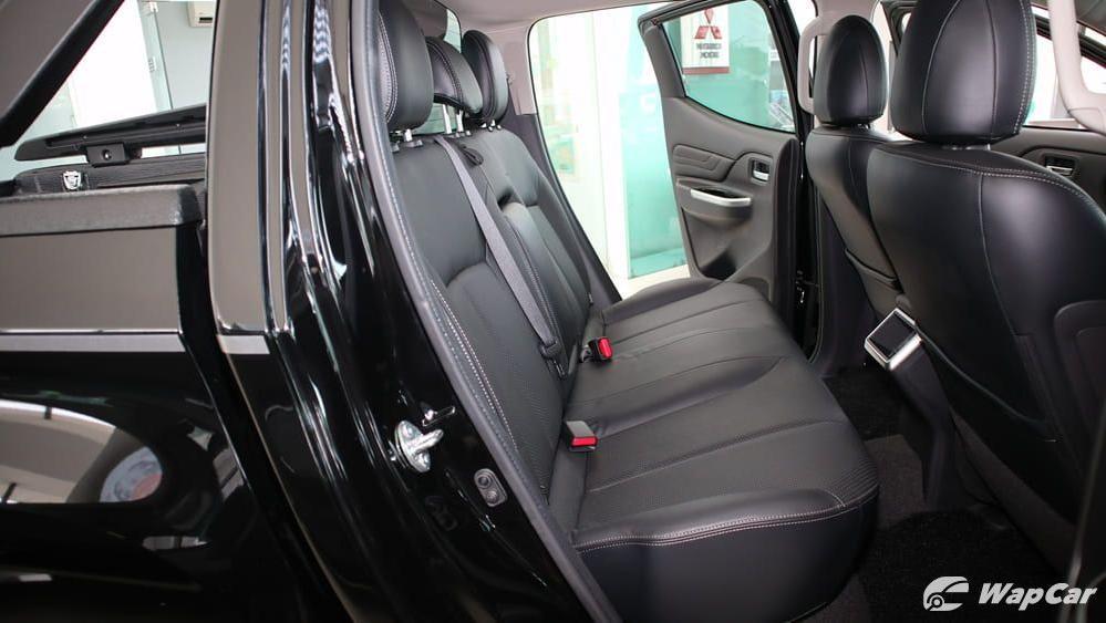 Mitsubishi Triton 2019 Interior 035