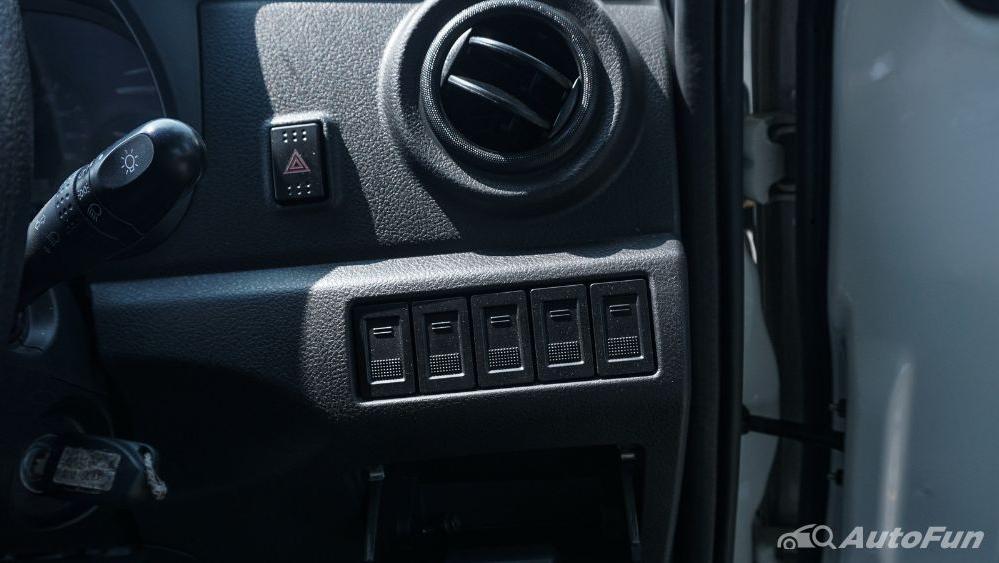 DFSK Super Cab 2019 Interior 011