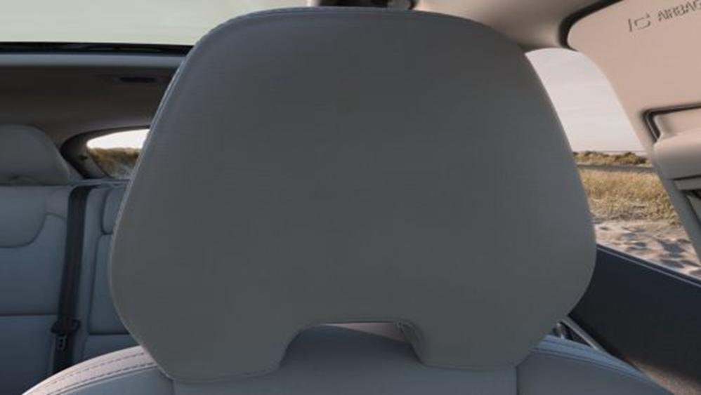 Volvo V40 Cross Country 2019 Interior 010