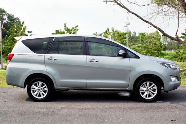 Duit Rp200 Jutaan untuk Mobil Keluarga 7-seater, Pilih Toyota Avanza Baru atau Toyota Kijang Innova Reborn Bekas? 02