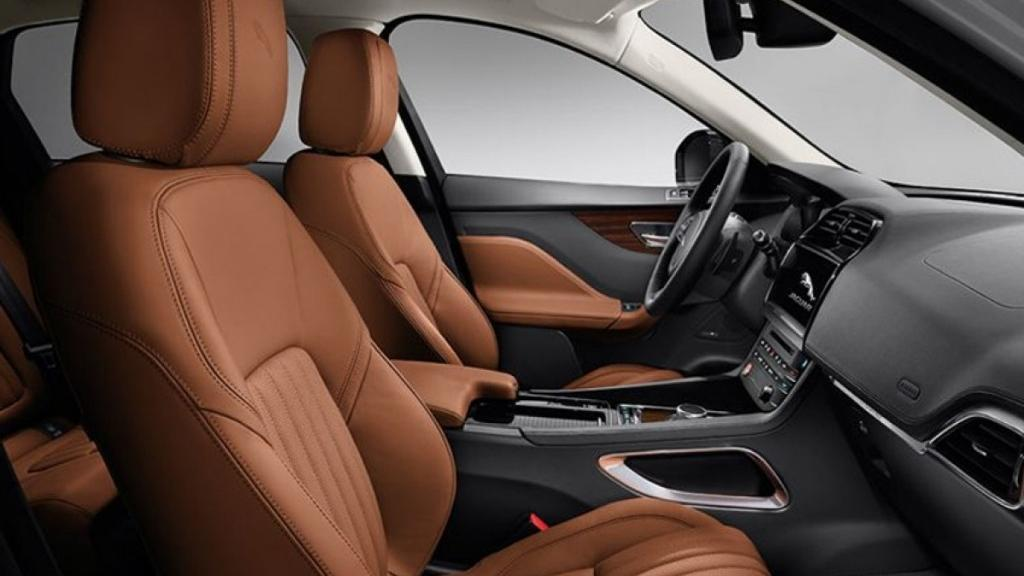 Jaguar F-PACE 2019 Interior 006