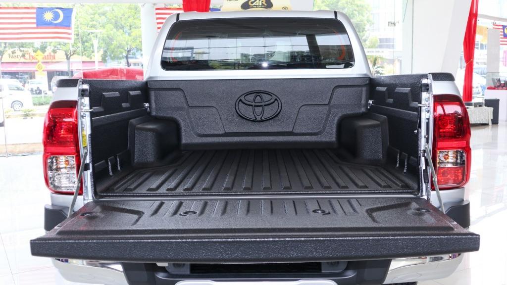 Toyota Hilux 2019 Interior 039