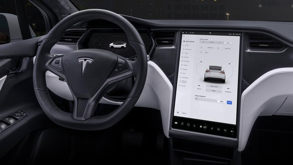 Tesla Model X 2019 Interior 002