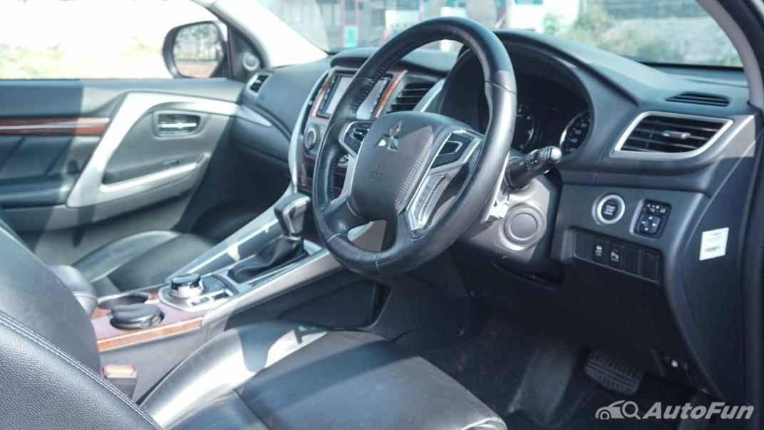 Mitsubishi Pajero Sport Dakar 4x4 AT Interior 049