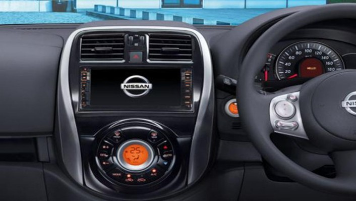 Nissan March 2019 Interior 001