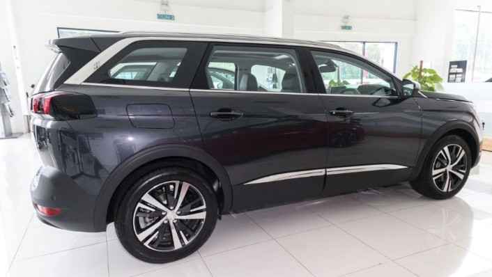 Peugeot 5008 2019 Exterior 003