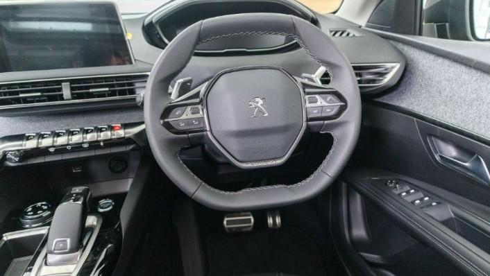 Peugeot 5008 2019 Interior 006