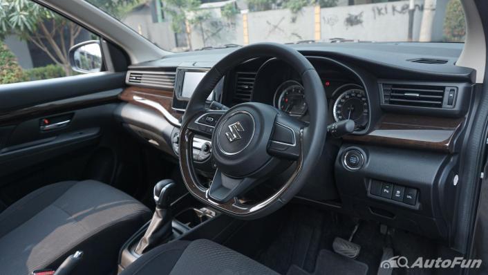Suzuki Ertiga Sport AT Interior 002
