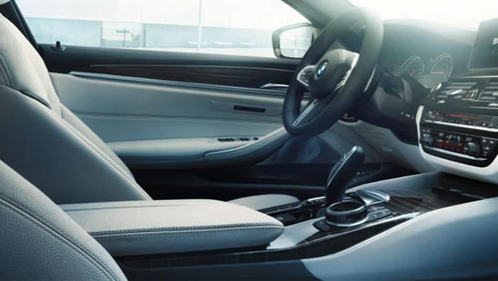 BMW 5 Series Sedan 2019 Interior 004