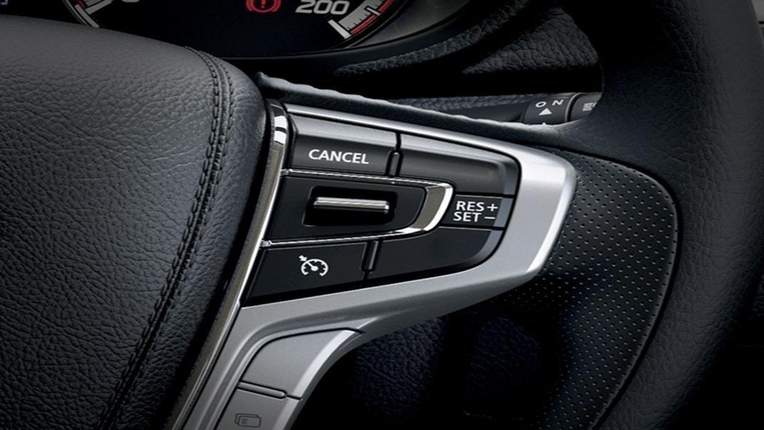 Mitsubishi Triton Exceed MT Double Cab 4WD Interior 004