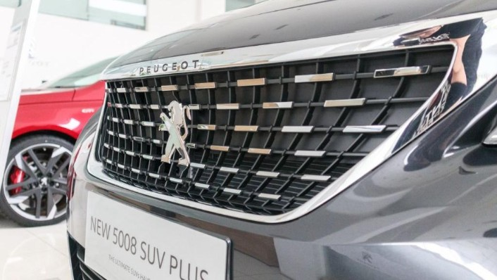 Peugeot 5008 2019 Exterior 010