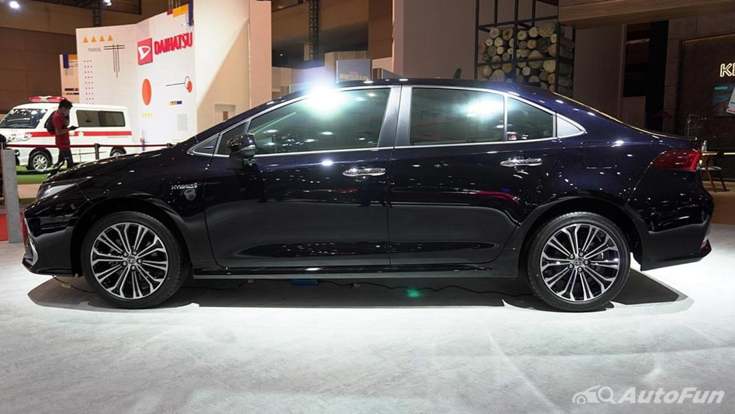 2021 Toyota Corolla Altis Exterior 005