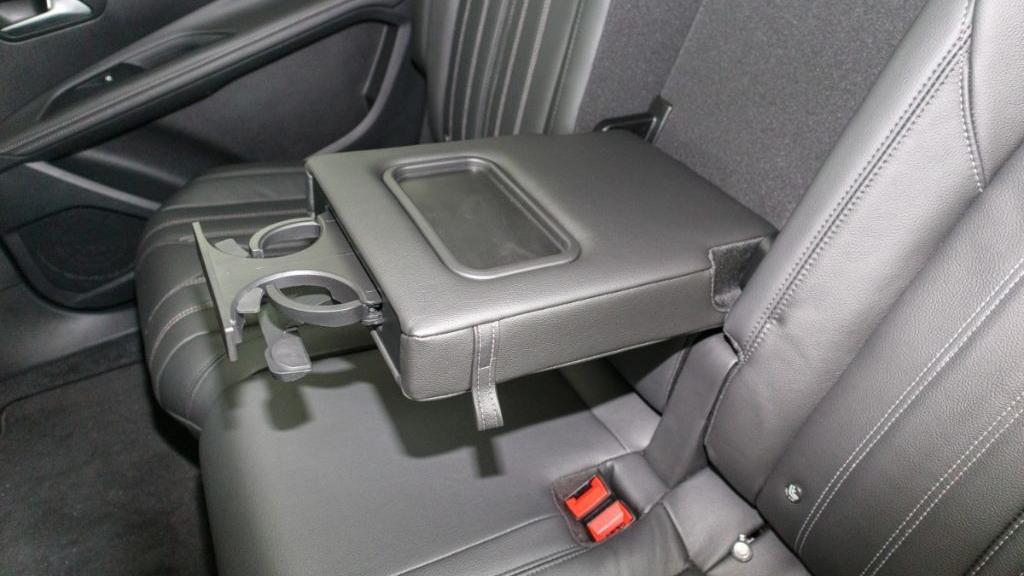 Peugeot 5008 2019 Interior 033