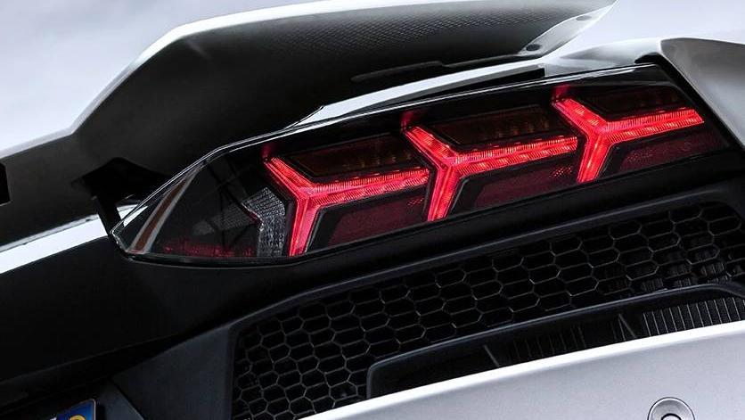 Lamborghini Aventador 2019 Exterior 044