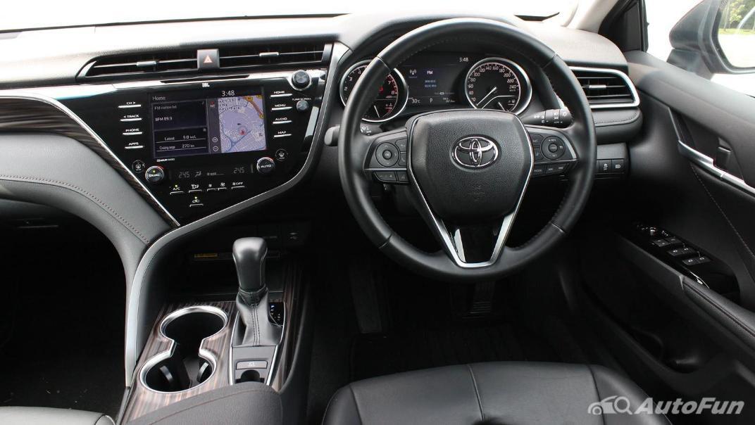 Toyota Camry 2019 Interior 041