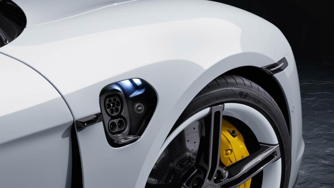 2021 Porsche Taycan Exterior 006