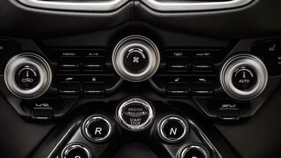Aston Martin Vantage 2019 Interior 004