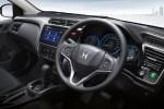 Irit-Iritan Sedan Kompak, Intip Perbandingan Konsumsi BBM Honda City vs Toyota Vios