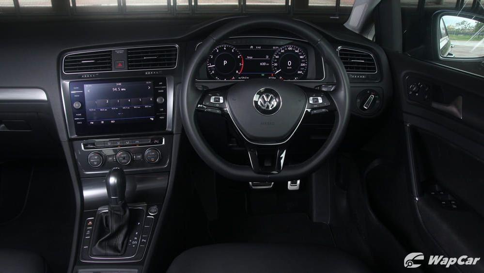 Volkswagen Golf 2019 Interior 002
