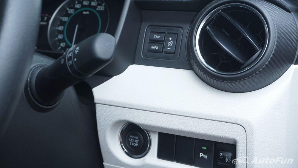 Suzuki Ignis GX AGS Interior 018