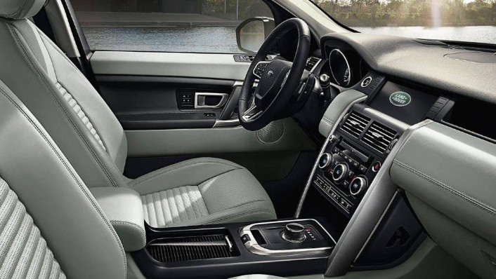 Land Rover Discovery Sport 2019 Interior 001