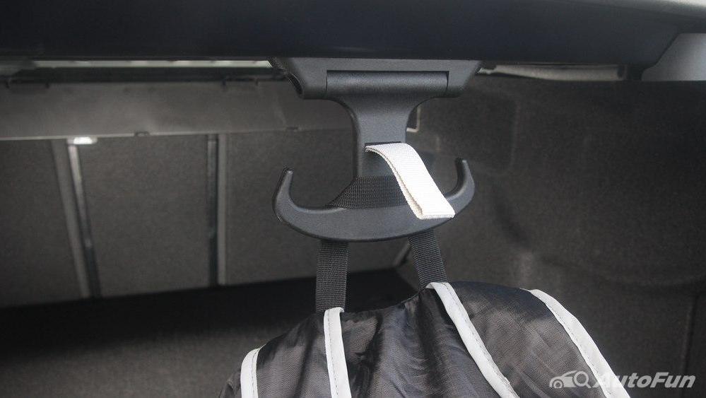 Mercedes-Benz E-Class 2019 Interior 050