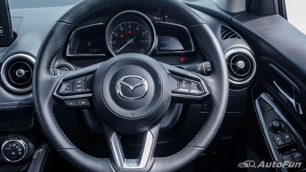 Mazda 2 GT AT Interior 002