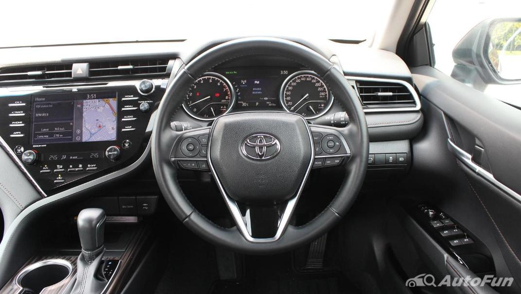 Toyota Camry 2019 Interior 042