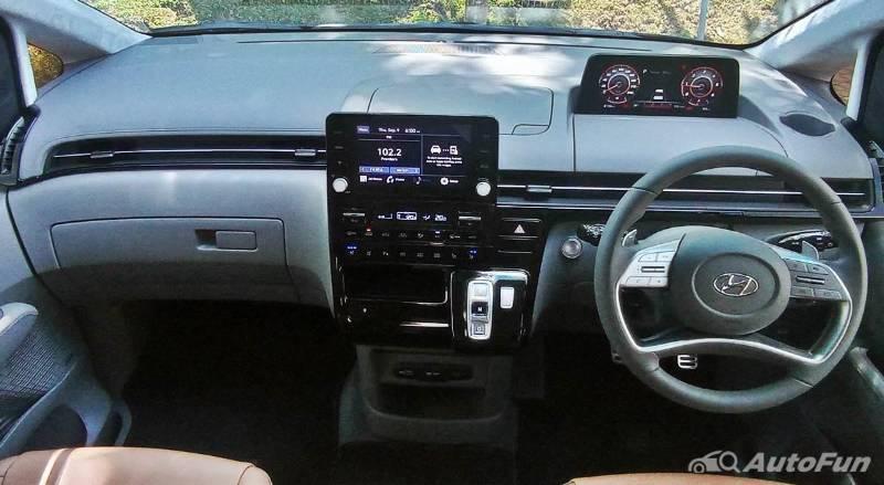 Test Drive Hyundai Staria 2021 -1