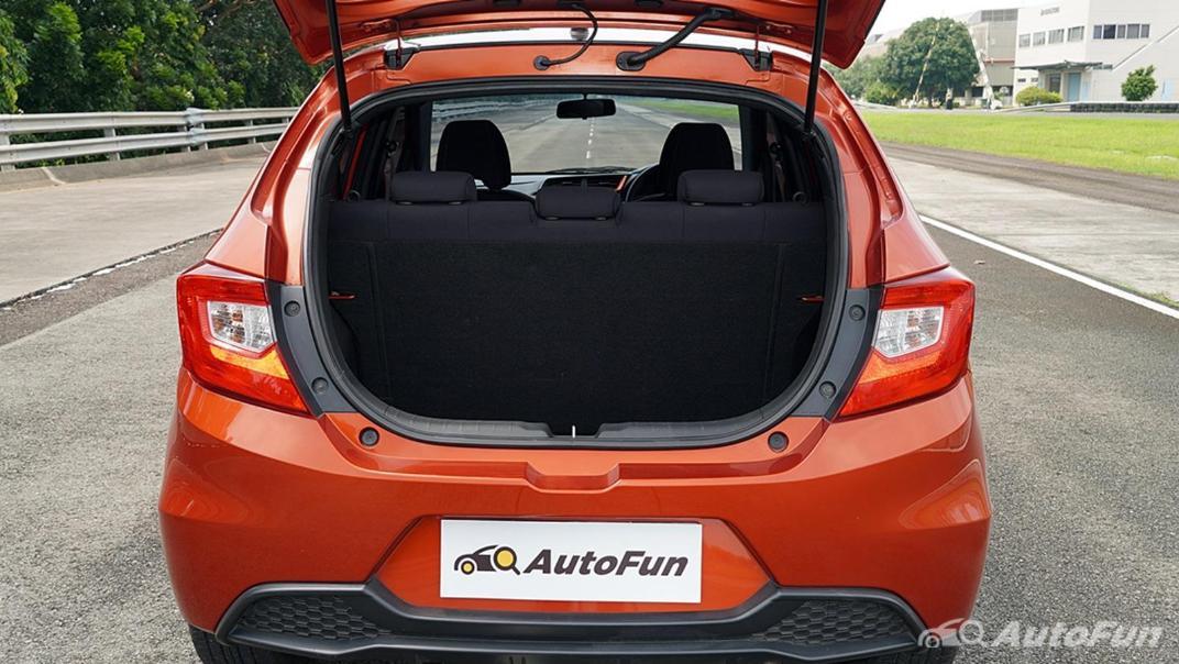 Honda Brio RS CVT Interior 026