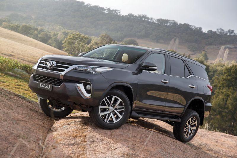 Toyota Fortuner 2021 Pilih Penggerak 4WD Daripada AWD, Apa Sih Perbedaannya? 02
