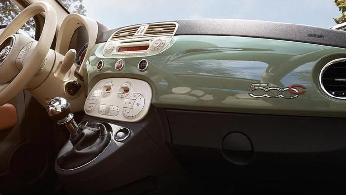 Fiat 500c 2019 Interior 003