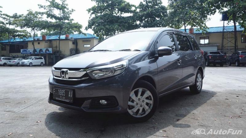 Overview Mobil: Mobil Honda Mobilio S MT dibanderol dengan harga mulai dari Rp259,000 - 203,400 02