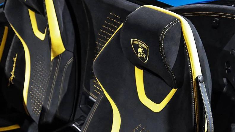 Lamborghini Huracan 2019 Interior 019