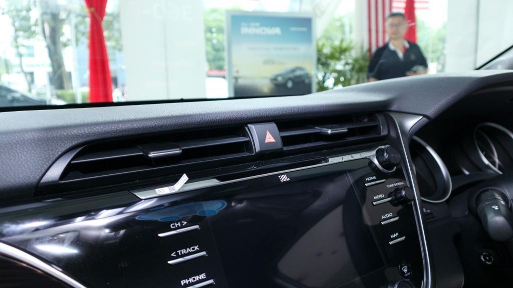 Toyota Camry 2019 Interior 014