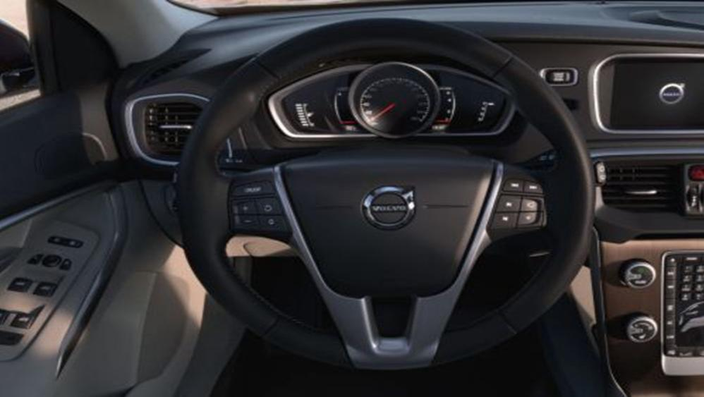 Volvo V40 Cross Country 2019 Interior 003
