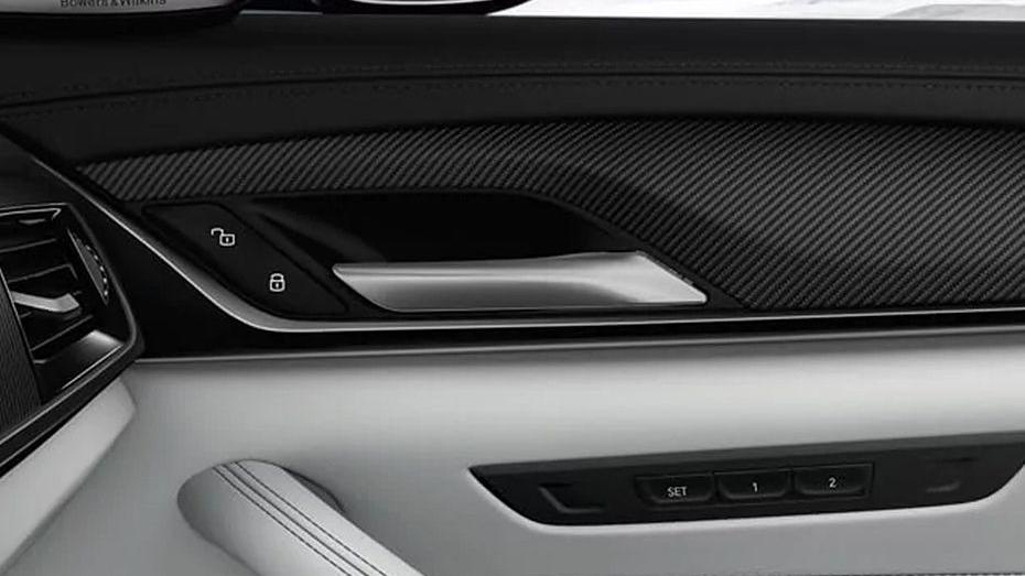 BMW M5 2019 Interior 011