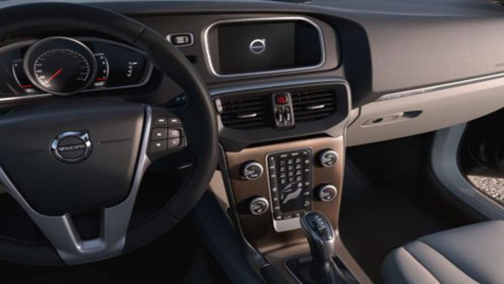 Volvo V40 Cross Country 2019 Interior 002