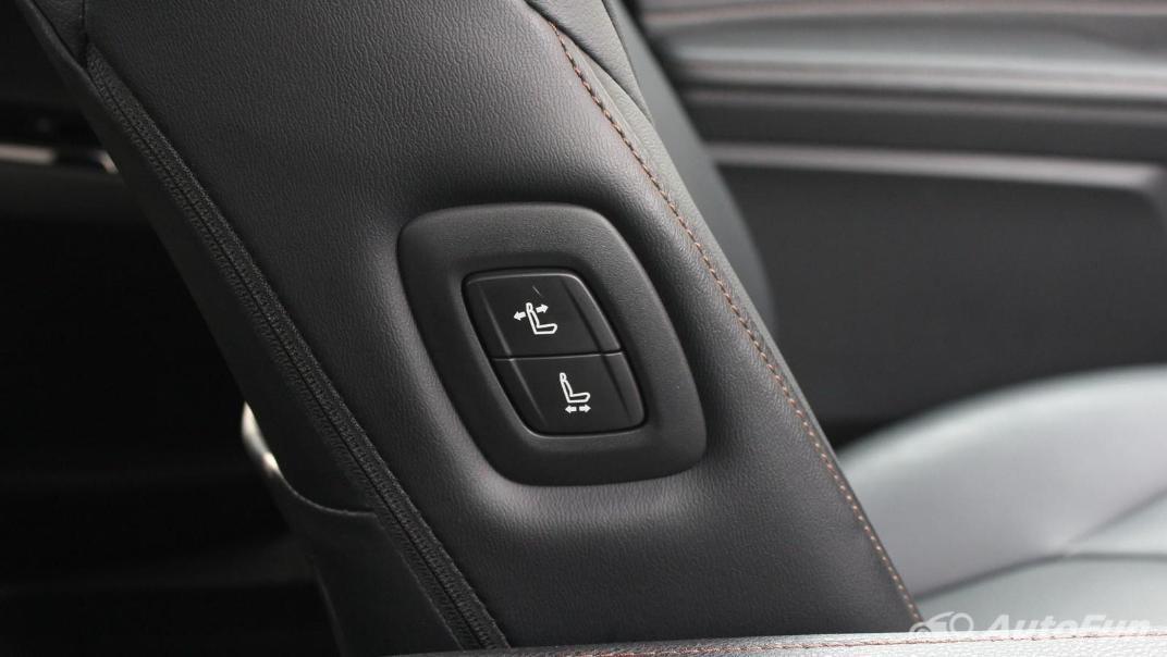 Toyota Camry 2019 Interior 046