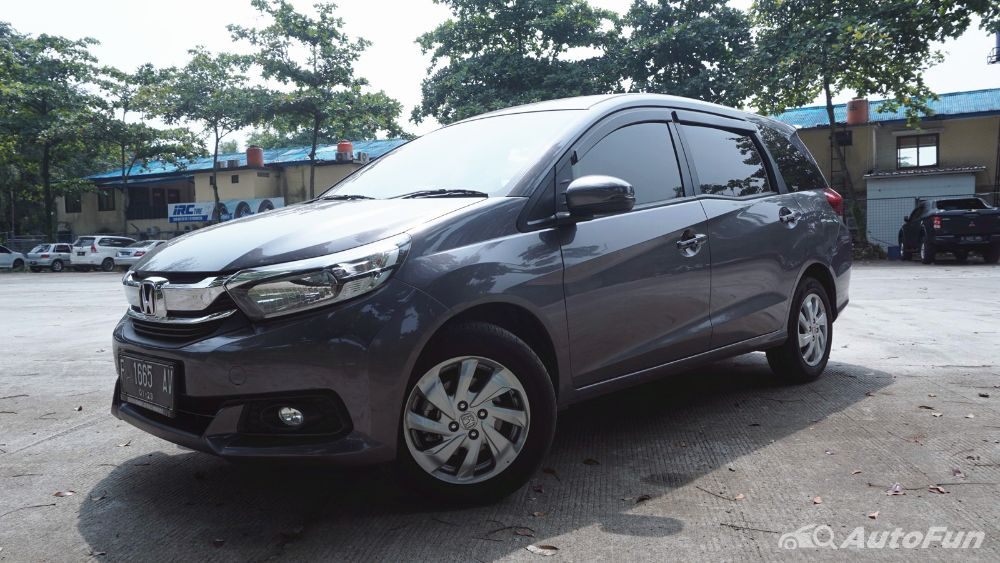 Overview Mobil: Mobil Honda Mobilio S MT dibanderol dengan harga mulai dari Rp259,000 - 203,400 01