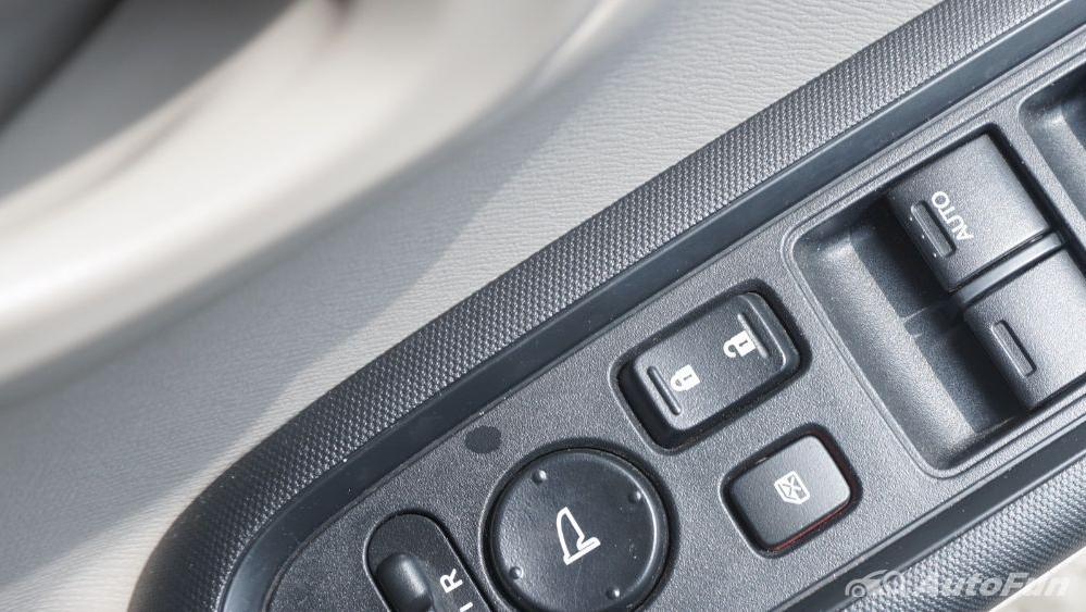Honda Mobilio E CVT Interior 022