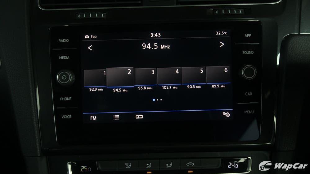 Volkswagen Golf 2019 Interior 014