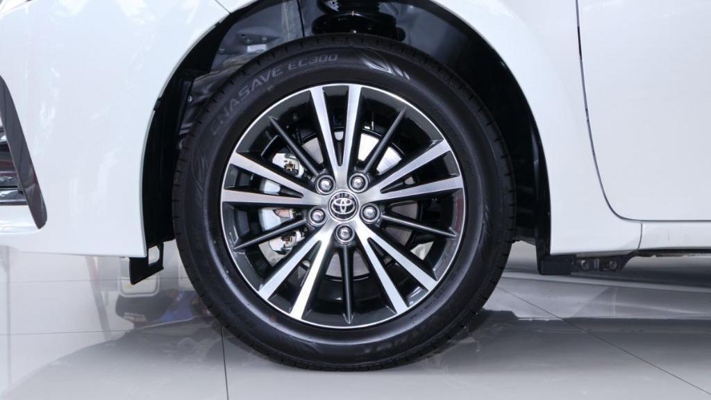 Toyota Corolla Altis 2019 Exterior 050