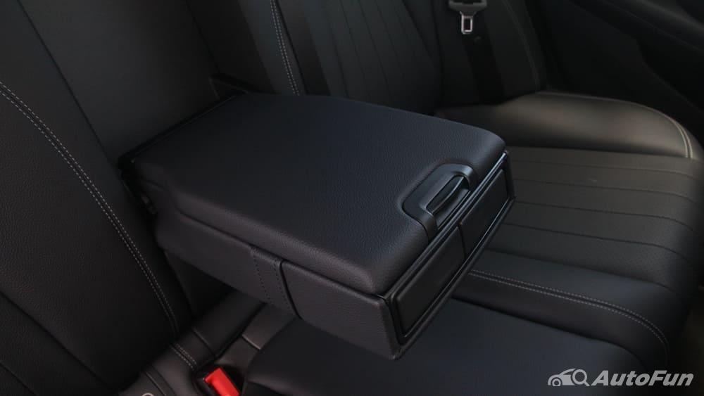Mercedes-Benz E-Class 2019 Interior 163