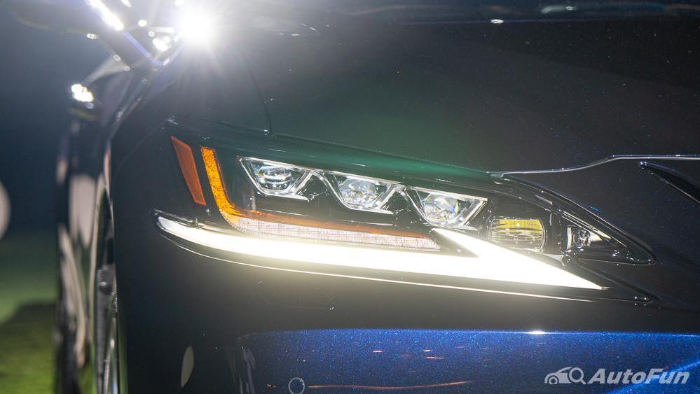 Lexus ES 2019 Exterior 014