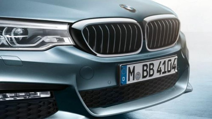 BMW 5 Series Sedan 2019 Exterior 007